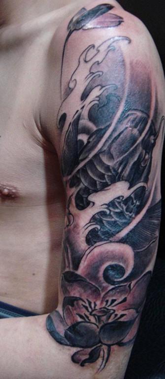 青岛画皮纹身穿刺工作室 (335x769)