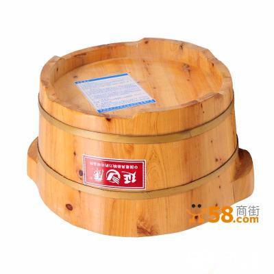 一个无盖的圆柱形木桶